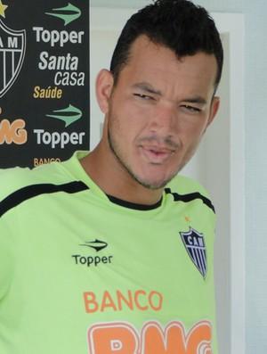 Réver, zagueiro do Atlético-MG (Foto: Fernando Martins/Globoesporte.com)