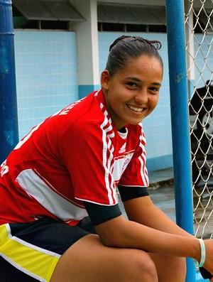 Jeniffer Leonela futebol feminino 1 (Foto: Frank Cunha / Globoesporte.com)
