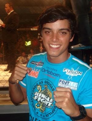 Ator Rodrigo Simas marca presença no Jungle Fight (Foto: Adriano Albuquerque/Globoesporte.com)
