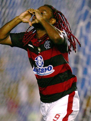 Vagner Love comemora gol do Flamengo (Foto: Ag. Estado)