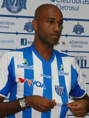 Atacante Nunes é apresentado no Avaí (Foto: Divulgação/Site Oficial do Avaí)