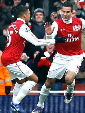 Robin van Persie comemora gol do Arsenal contra o Blackburn (Foto: Reuters)