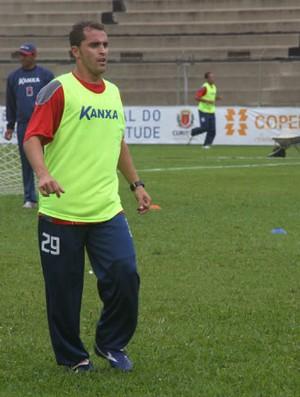 Lisa, lateral do Paraná Clube (Foto: Gabriel Hamilko / Globoesporte.com)