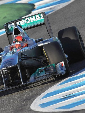 Michael Schumacher no segundo dia de testes em Jerez (Foto: Getty Images)
