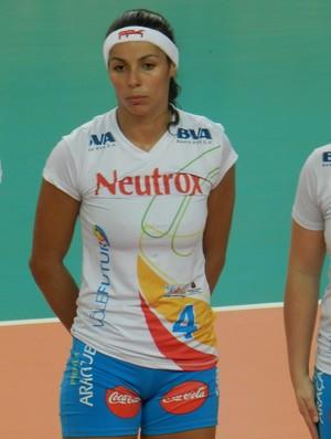 Paula Pequeno, Vôlei Futuro na partida contra o Praia Clube (Foto: Fabiano Rodrigues/GLOBOESPORTE.COM)