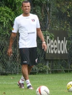 Luis Fabiano treina no CT da Barra Funda (Foto: Divulgação / site oficial do São Paulo)