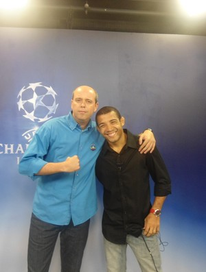 José Aldo comenta jogo ao lado de Alex Escobar (Foto: Amanda Kestelman/Globoesporte.com)