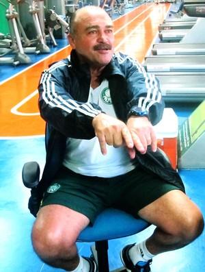 Flávio Murtosa, auxiliar do Palmeiras, durante entrevista (Foto: Diego Ribeiro / GLOBOESPORTE.COM)