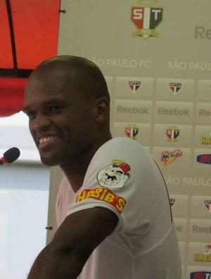 Edson Silva zagueiro São Paulo (Foto: Daniel Romeu / Globoesporte.com)