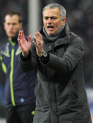 José Mourinho no jogo do Real Madrid contra o CSKA (Foto: AFP)