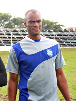 Donizete auxiliar técnico do São Raimundo=24-02-2012 (Foto: Anderson Silva/Globoesporte.com)