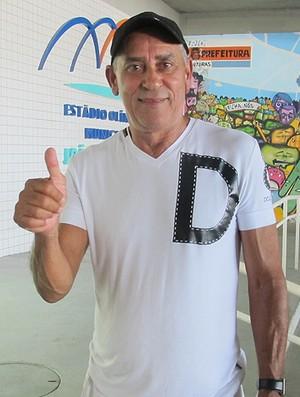 Seu Juarez pai do Fred (Foto: Edgard Maciel / Globoesporte.com)
