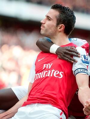 Robin van Persie e Bacary Sagna gol Arsenal (Foto: AP)