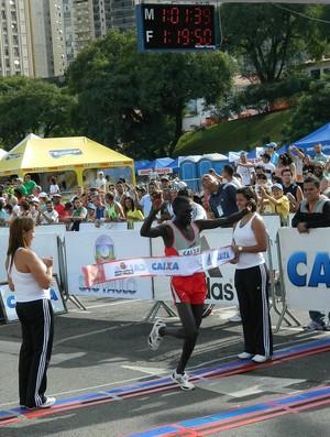 Meia Maratona SP 2012 vencedor Joseph Kachapin Aperumoi (Foto: Alexander Grünwald/ GLOBOESPORTE.COM)