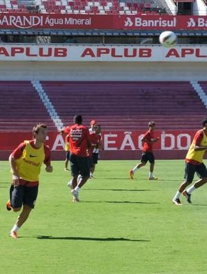 Dagoberto treina antes da partida contra o Santos (Foto: Diego Guichard / GLOBOESPORTE.COM)