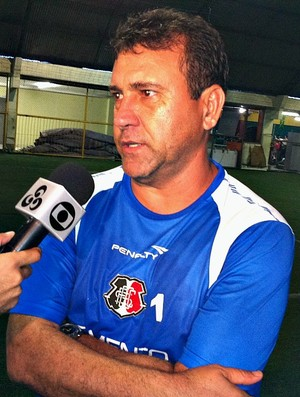 Zé Teodoro técnico do Santa Cruz (Foto: Adeilson Albuquerque/Globoesporte.com)
