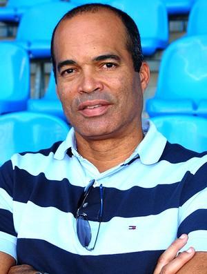 Gonçalves, ex-zagueiro (Foto: Editoria de Arte / GLOBOESPORTE.COM)