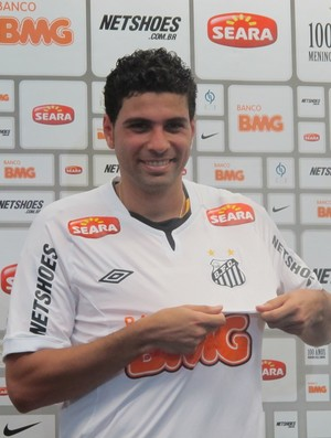 Gerson Magrão, do Santos, é apresentado no CT Rei Pelé (Foto: Marcelo Hazan / Globoesporte.com)