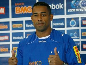 Robert apresentado no Cruzeiro  (Foto: Washington Alves / VIPCOMM)