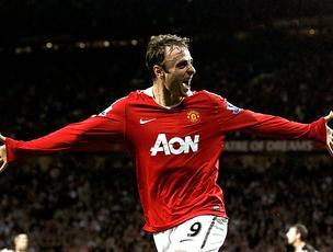 Berbatov comemora gol do Manchester United (Foto: Reuters)