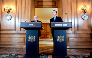Joseph Blatter e David Cameron Inglaterra 2018 (Foto: EFE)
