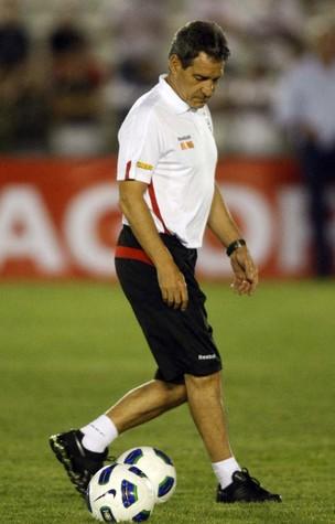 Paulo César Carpegiani durante treino no estádio Amigão (Foto: Rubens Chiri / Site oficial do São Paulo FC)