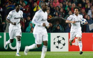 Marcelo comemora gol do Real Madrid contra o Barcelona (Foto: Reuters)