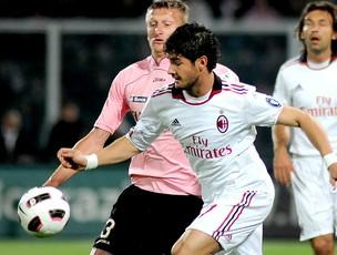 Pato na partida do Milan contra o Palermo (Foto: AP)