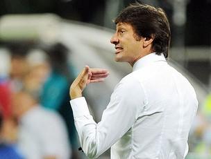 Leonardo na partida do Inter de Milão contra o Roma (Foto: EFE)