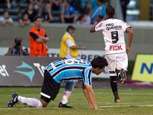 liedson corinthians gol grêmio (Foto: Daniel Augusto JR / Agência Estado)