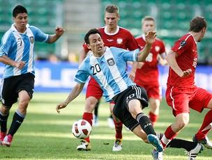 Alejandro Cabral Argentina Adrian Mierzejewski Polônia (Foto: Reuters)
