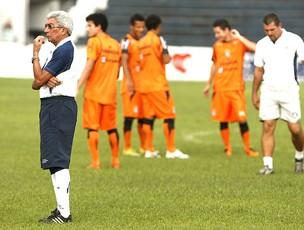 Givanildo no treino do Remo  (Foto: Marcelo Seabra)