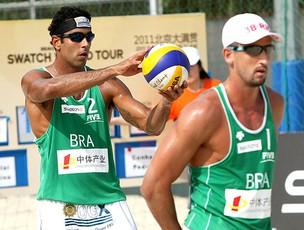 Pedro Cunha e Pedro Solberg na etapa de China de vôlei de praia (Foto: FIVB)
