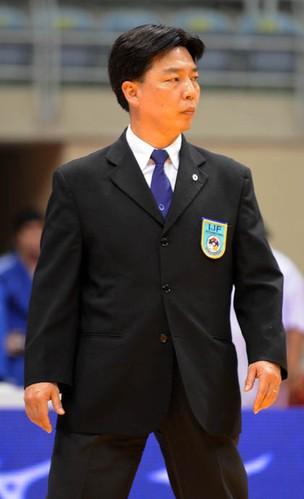 Melhor árbitro de judô do mundo, brasileiro anseia por Londres-2012