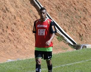 Gilson, lateral-esquerdo do América-MG (Foto: Valeska Silva / Globoesporte.com)