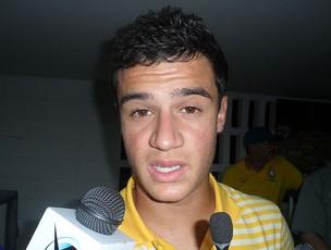 Philippe Coutinho durante entrevista (Foto: Victor Canedo / Globoesporte.com)