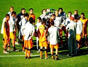 treino portuguesa (Foto: Marcos Ribolli/Globoesporte.com)