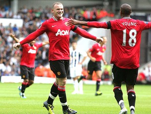 Rooney comemora gol do Manchester United  (Foto: EFE)