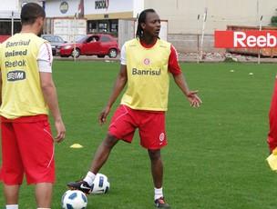 Andrézinho no treino do Internacional (Foto: Alexandre Alliatti/Globoesporte.com)