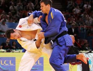 judô tiago camilo Valentyn Gregov mundial paris (Foto: Márcio Rodrigues / Fotocom.net)