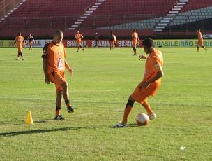 nino paraiba em treino do vitoria (Foto: Raphael Carneiro/Globoesporte.com)