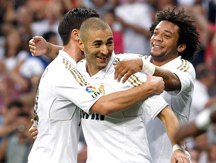 Benzema gol Real Madrid (Foto: Reuters)
