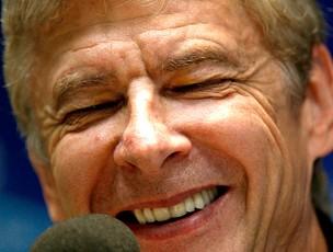 Arsene Wenger na coletiva do Arsenal (Foto: Reuters)