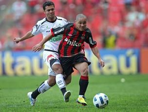 Madson, Atlético-Pr x Figueirense (Foto: Heuler Andrey/Agência Estado)