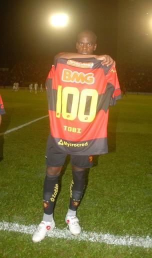 Tobi - Homenagem 100 jogos Sport (Foto: Aldo Carneiro/GLOBOESPORTE.COM)