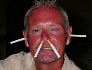 paul Gascoigne cigarros (Foto: reprodu&#231;&#227;o internet)