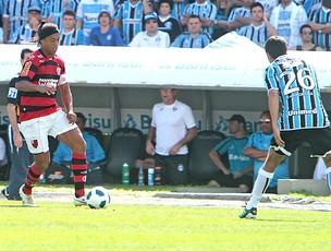 Ronaldinho no jogo do Flamengo contra o Grêmio (Foto: Itamar Aguiar / VIPCOMM)