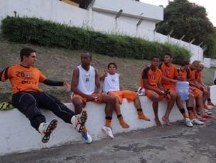 Santa Cruz treina em Juiz de Fora (Foto: Elton de Castro / GloboEsporte.com)