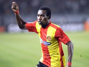 Afful comemora gol do Esperance  (Foto: AFP)