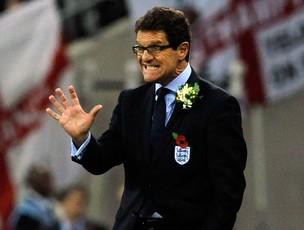 Fabio Capello inglaterra rosas brancas (Foto: Agência Reuters)